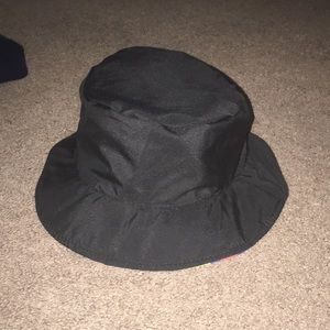 Other - Reversible bucket hat